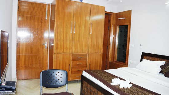 Maxfort Hospital Apartment