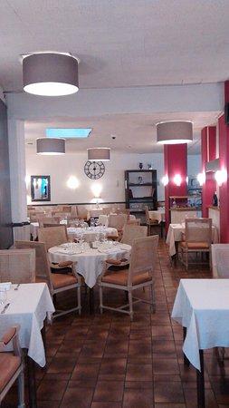 restaurant les trois lys azay le rideau restaurantbeoordelingen tripadvisor. Black Bedroom Furniture Sets. Home Design Ideas