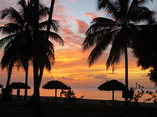 Turtle Beach by Rex Resorts: Sunset taken from room