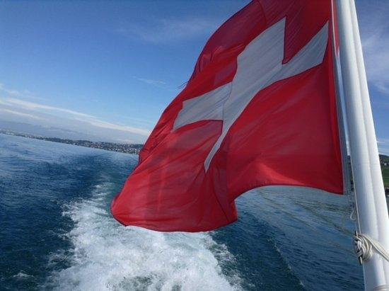 La Suisse Steam paddle boat. Photo