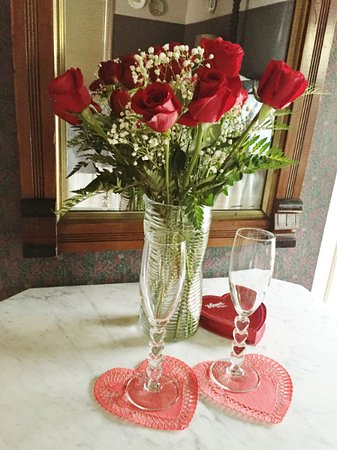Parish House Inn: Add roses and chocolates to your weekend getaway.