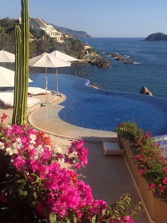 Capella Ixtapa: Infinity pool