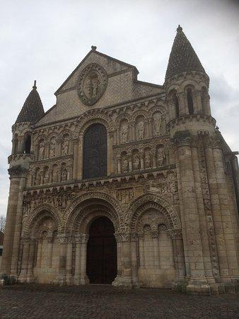 Église de Notre-Dame la Grande : photo0.jpg