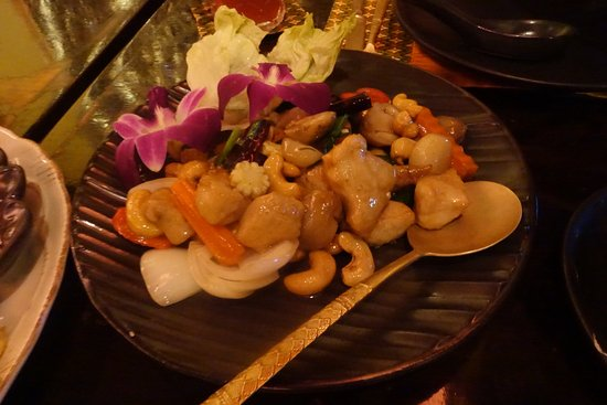 Chilli Culture Thai Kitchen: Cashew nuts in the dish