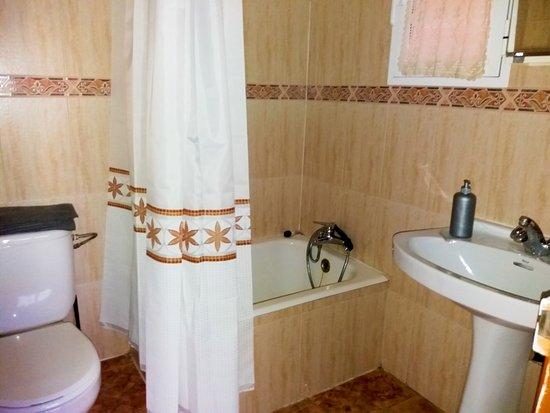 Vera de Moncayo, Spanien: baño comun