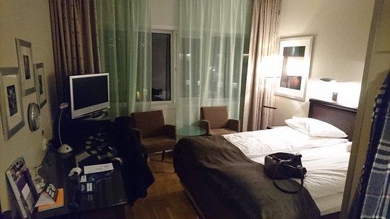 Clarion Collection Hotel Aurora: Zimmer mit Queensizebed