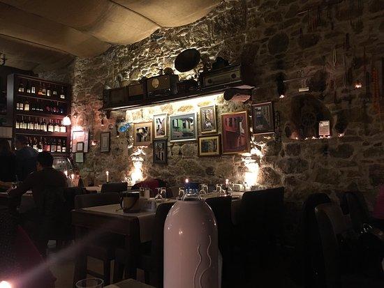 Yengeç Restaurant: Thousands of tapas . Yummy