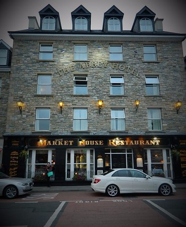 Diamond Lodgings: Market House Restaurant, The Diamond, Donegal