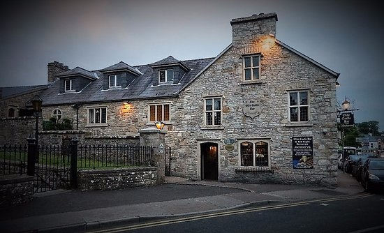 Diamond Lodgings: Restaurant on The Diamond in Donegal
