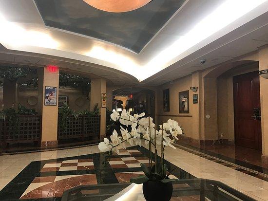 Hollywood Hotel: Excelente hotel...!! Todo muy cerca.