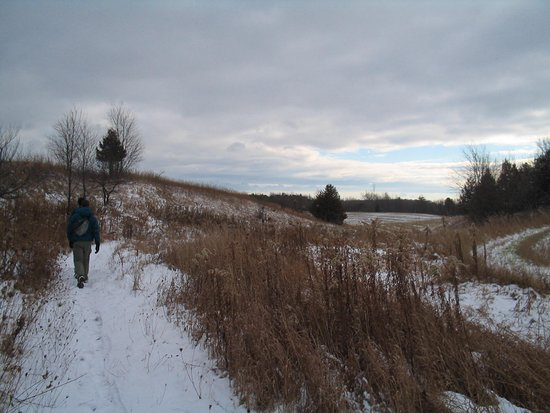 Boyne Valley Provincial Park: Making our way eastward on the north side of the river valley.