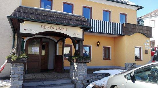 Liebenau, Austria: Restaurant-Eingang
