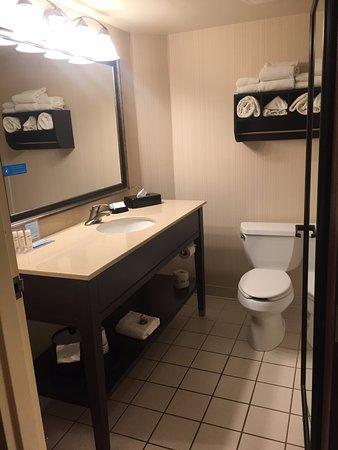 Onalaska, WI: Bathroom.