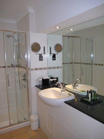 BEST WESTERN PLUS Edinburgh City Centre Bruntsfield Hotel: Badrum