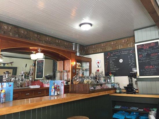 Quaint little Cafe in the HEART of Roslyn