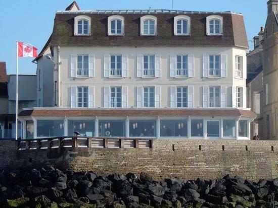 Hotel de la Marine : Hotel view from the beach