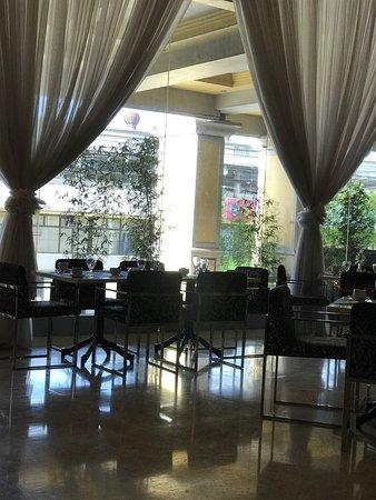 The Royal Mandaya Hotel: photo2.jpg