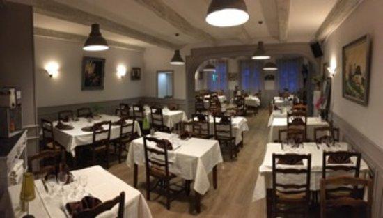 Argentat, França: Nouvelle salle de restaurant
