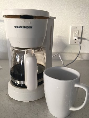 Can coffee makers industrial size for Apartment size coffee maker