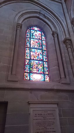 Cathedrale de Lausanne: There are stained glass windows all around the cathedral