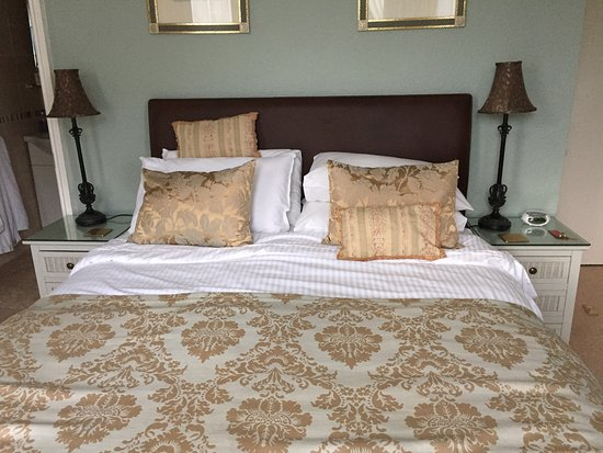 Avenue Park Guest House: The Bed