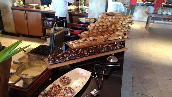 The Patra Bali Resort & Villas: Breakfast