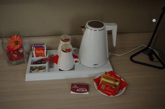Best Quality Hotel La Darsena: Vassoio camera comfort