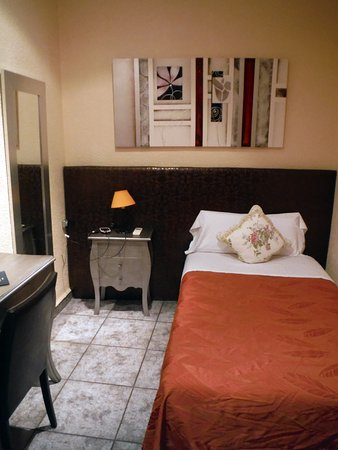 Hostal Orleans: Single room
