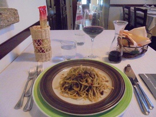 Ristorante Centro Storico : pasta fresca con pesto nisseno