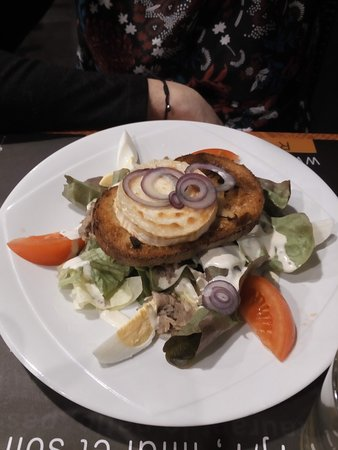 Bouffere, Frankrike: salade de chevre