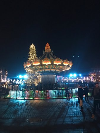 Phantasialand : The central plaza of the park decorated for Christmas. Great place, amazing experience!