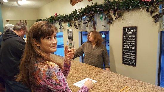 DeFuniak Springs, FL: Wine tasting.
