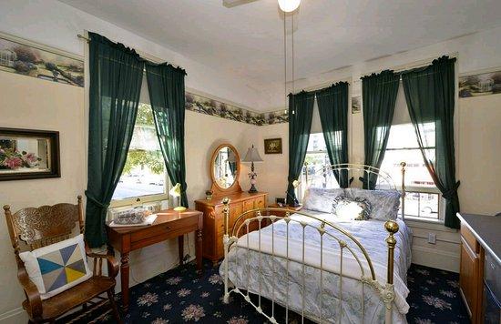 Historic Gaslamp Hotel