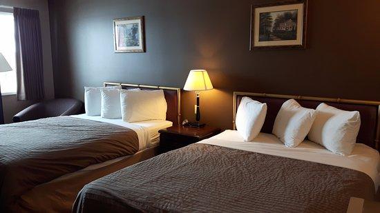 Canway Inn & Suites