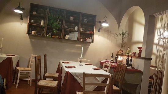 Montespertoli, อิตาลี: TA_IMG_20170205_000516_large.jpg
