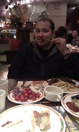 Big Pizza (Harbin JinGu Restaurant): Big Pizza Me enjoying the BBQ