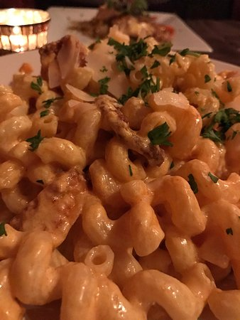 Plymouth, NH: Mushroom artichoke ragu; Chicken Tuaca; buffalo mac and cheese.