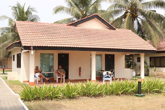Busua Waves Resort: photo1.jpg