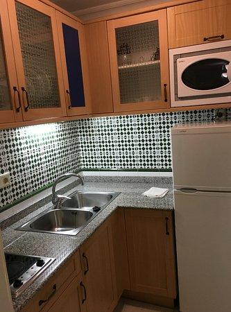 Apartamentos Fariones: The kitchen area.