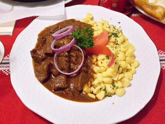 pörkölt képek Pörkölt mit Nockerln   Picture of Paprika Restaurant, Heilbronn  pörkölt képek