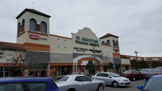St. Augustine Premium Outlets : The mall