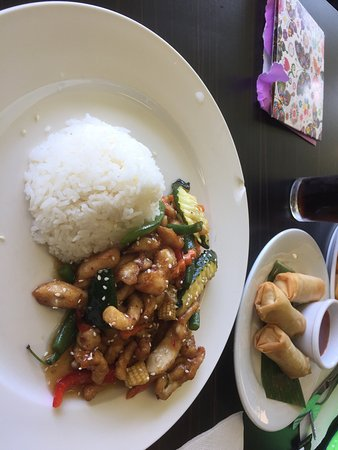 Forster Golf Club: Great Lunch Special-Thai Crispy Chicken and Rice