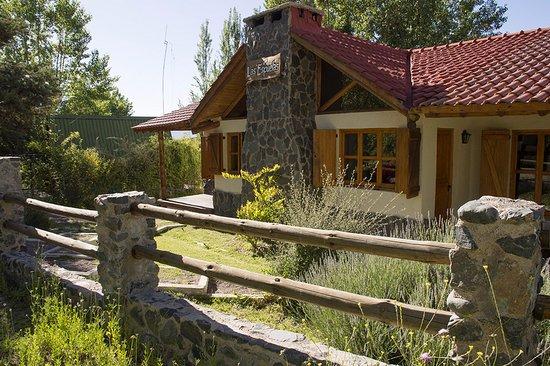 Las Espuelas Casas De Montana Construccion De Calidad Con Teja
