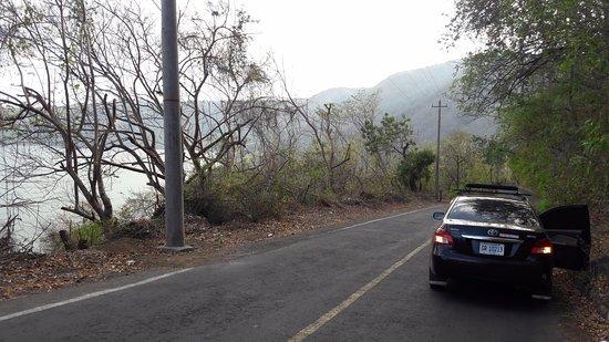 Granada, Nicaragua: Laguna de Apoyo Drive Down!