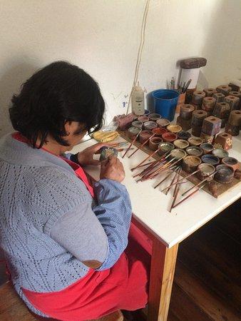 Ceramicas Seminario : Local families are part of this taller