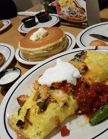 Duarte, CA: omelette, pancakes, etc