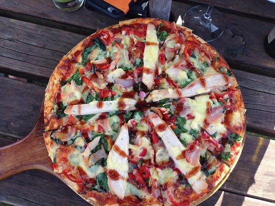 Pohara, Новая Зеландия: Gluten Free Chicken Pizza