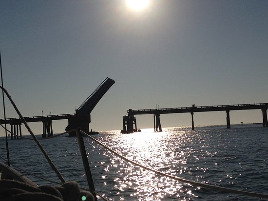 Anna Maria Sailing Adventures: Watching the draw bridge go up for us.