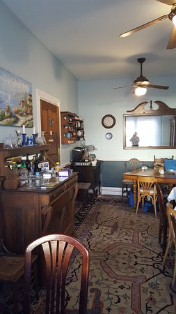 Blueberry Cove Inn: This is a breakfast area