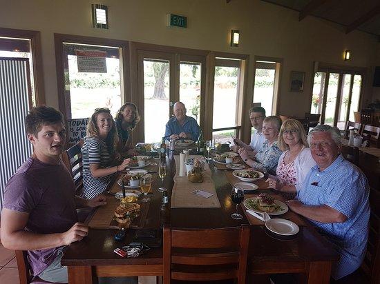 Enjoy Adelaide : Barossa valley tour lunch